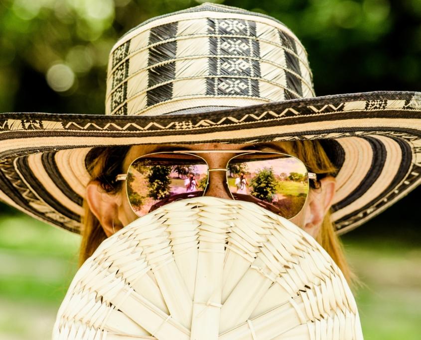 portrait femme lunettes soleil